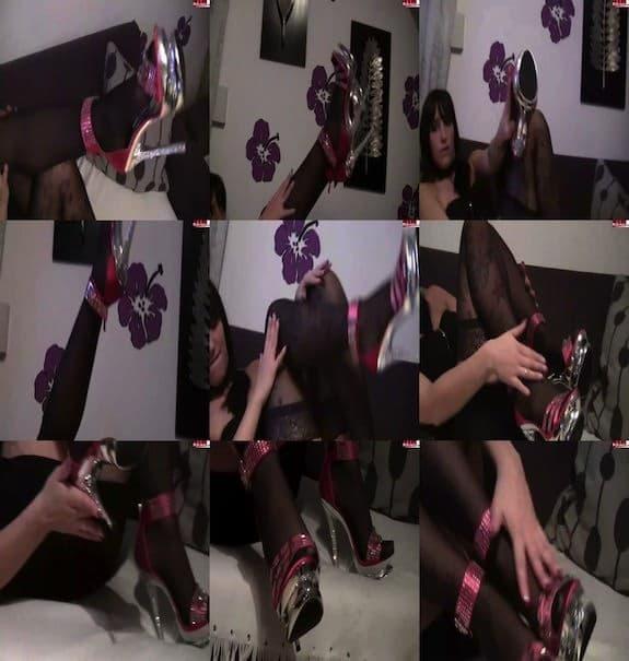 Queen Paris - Leck die Schuhe Spritz auf meine Nylons für Subs
