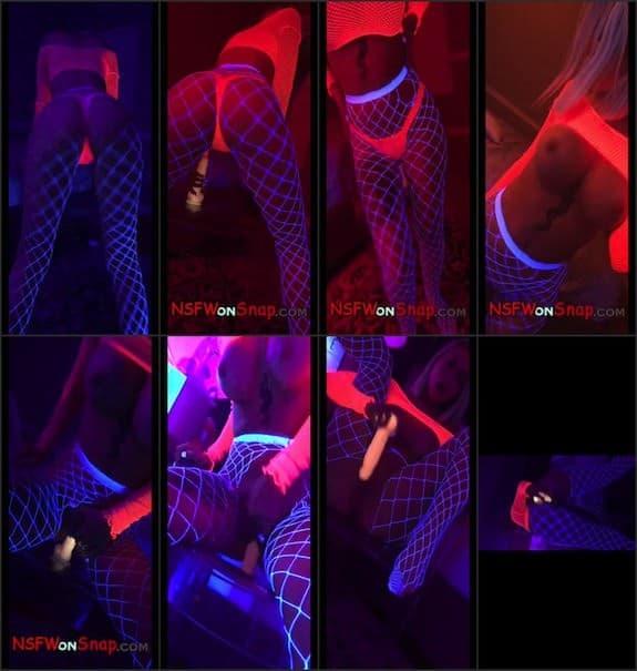 Layna Boo neon snapchat premium 2018/06/05