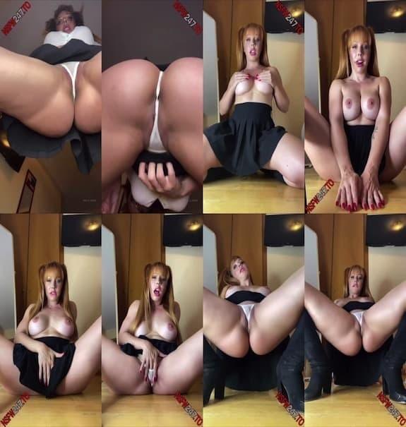 Yaela Heart - pussy rubbing