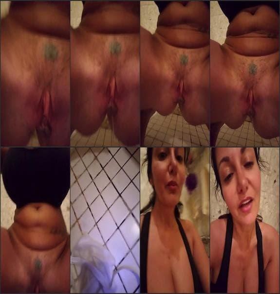 Ava Addams - shower pee
