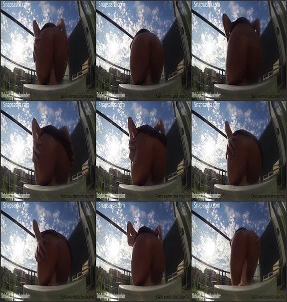 Sasha Wonderr - public dildo riding